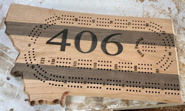 montana 406 cribbage board in cherry and walnut